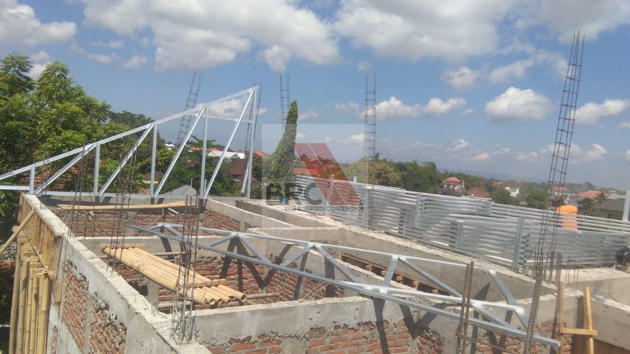 Model Setengah Pelana Gewel Bali Roofing